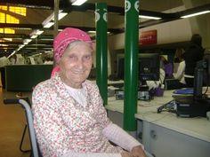 Davina Adelaide, de 103 anos, foi ao Poupatempo São Bernardo do Campo fazer a 2ª via do RG. Filha de italianos e nascida no Brasil, no estado do Paraná, ela cresceu e trabalhou no campo por muitos anos.  Muito bonita, com freqüência era cortejada por rapazes que moravam nas fazendas vizinhas. Interessou-se por um filho de espanhóis com quem se casou e teve 12 filhos.