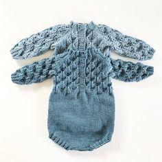 #faunadrakt#paelas#paelasknits#knitting_inspiration#knitting#instaknit#knitstagram#knittersofinstagram#babystrikk#strikktilbaby#i_loveknitting#barselgavestrikk#knittinglove#knitting_is_love#strikking#strikkemamma#guttestrikk#strikktilgutt