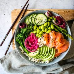 Salmon Sushi BowlYou can find Sushi bowl and more on our website.Smoked Salmon Sushi BowlSmoked Salmon Sushi BowlYou can find Sushi bowl and more on our website. Smoked Salmon Sushi, Smoked Salmon Recipes, Salmon Roll, Seafood Recipes, Vegetarian Recipes, Dinner Recipes, Healthy Recipes, Sushi Bowl, Food Inspiration