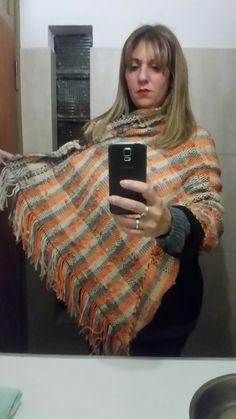 Poncho tejido en telar Fashion, Fabrics, Moda, Fashion Styles, Fashion Illustrations