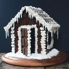 Gingerbread house? No - Chocolate house! The sweetest and funniest Christmas craft! (in Swedish)