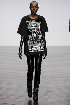 KTZ - Love how they styled this look with full long leather gloves