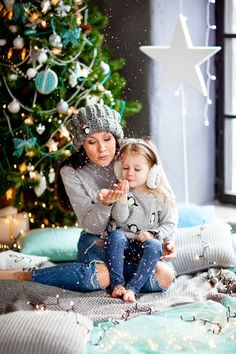 christmas photoshoot family Best Picture For kids christmas gifts For Your Taste You are looking for Christmas Photo Booth, Christmas Minis, Christmas Gifts For Kids, Christmas Fashion, Christmas Baby, Xmas Pictures, Cute Photos, Christmas Photos, Christmas Photography Kids