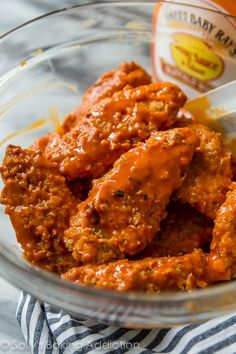 The Rise Of Private Label Brands In The Retail Meals Current Market Extra Crispy And Baked Buffalo Chicken Fingers Coated In Cornflakes For Extra Crunch. Formula On Low Carb Meal Plan, Low Carb Dinner Recipes, Keto Recipes, Cooking Recipes, Wing Recipes, Party Recipes, Keto Dinner, Buffalo Chicken Fingers, Buffalo Chicken Strips