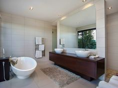 Contemporary Home in New Zealand Modern bathrom design