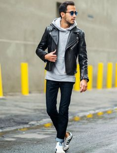 Mens grey hoodie and leather jacket street style Mens Fashion Sweaters, Mens Fashion Suits, Sport Fashion, Men's Fashion, Outfits Pantalon Negro, Smart Casual Menswear, Leather Jacket Outfits, Leather Jackets, One Step