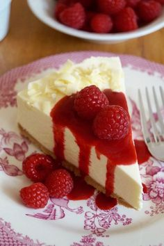 NO-BAKE White Chocolate Cheesecake with Raspberry Coulis - an effortlessly easy dessert recipe perfect for any celebration! Baked White Chocolate Cheesecake, Baked Cheesecake Recipe, No Bake Cheesecake, No Bake Desserts, Easy Desserts, Dessert Recipes, Coulis Recipe, Cream Cheese Recipes, Food Cakes