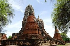 Wat Ratchaburana, an area of some ancient ruins at Ayutthaya in central Thailand