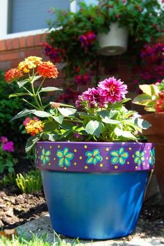 Painting and Planting Small Front Yard Landscaping, Garden Landscaping, Flower Pots, Flowers, Save The Planet, Container Plants, Plant Decor, Potted Plants, Planter Pots