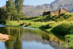 The Mooiplaas River Cottage can be found on the farm Mooiplaas, nested in the heart of the Breede River Valley Mountain Cottage, River Cottage, Gumtree South Africa, Weekends Away, Africa Travel, Holiday Destinations, Cape Town, Beautiful Places, Places To Visit