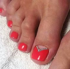 Red-Rhinestone Toe NailArt