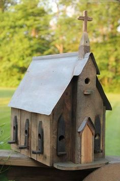 Pallet Wood Birdhouse Plans