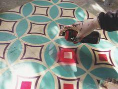 Graffiti Artist Spray Paints Abandoned Buildings' Floors With Geometric Tiles Spray Paint Stencils, Stencil Painting, Painting Patterns, Tile Patterns, Floor Patterns, Painting Tile Floors, Painted Floors, Graffiti Spray Paint, Street Art