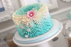 I managed to get 3 trends onto this cake the chevron pattern done in ombre easily done with buttercream ruffles, I posted how in the tutorials.
