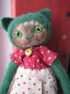 Felted vintage-look cat doll.