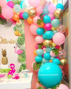 Girl Birthday Decorations, Girl Birthday Themes, Balloon Decorations, 1st Birthday Parties, Flamingo Party, Flamingo Birthday, Aloha Party, Luau Party, Deco Candy Bar