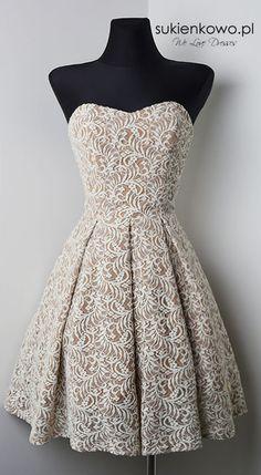 Tiulowa sukienka 3 warstwy mega rozłożysta czerwona AVRIL
