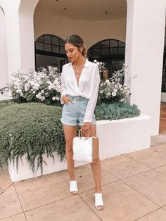 Summer in 5 words! Comment down below💕 , , , , THANKS! ⭐LINK in bio to shop Morena and Proud Jewelry⭐ Effortlessly Chic Outfits, Casual Chic Outfits, Chic Summer Outfits, Style Casual, Summer Chic, Casual Summer Dresses, Cute Outfits, Hot Weather Outfits, Summer Dinner Outfits