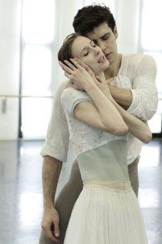 Roberto Bolle and Svetlana Zakharova rehearsing Manon
