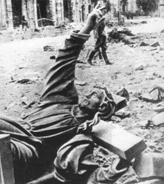 Warsaw Uprising - Fallen Christ Statue of the Holy Cross Church Fosse Commune, Warsaw Ghetto Uprising, Poland Ww2, Home Guard, Bad Picture, Holy Cross, Life Goes On, World War Two, Beautiful World