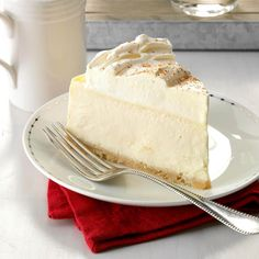 I like to experiment and make new and unusual-flavored cheesecakes. When I tried RumChata at a friend's party, I knew it would make a great cheesecake. For a pretty presentation, drizzle it with … Cheesecake Recipes, Rumchata Recipes, Blueberry Cheesecake, Rumchata Cupcakes, Cheesecake Desserts, Köstliche Desserts, Delicious Desserts, Dessert Recipes, Deserts