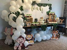 Baby Shower Giraffe, Boy Baby Shower Themes, Baby Shower Decorations, Animal Theme Baby Shower, Baby Shower Monkey, Safari Baby Showers, Safari Baby Shower Cake, Baby Birthday Decorations, Baby Boy Themes