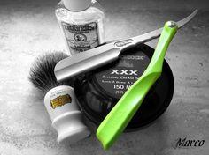 Straight razor shaving set