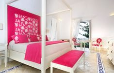 navy pink and white room | Fabulous girls' bedroom in fuchsia and white- Pink with a hot twist!