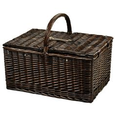The Picnic at Ascot Surrey Willow Picnic Basket with Service for 2 is traditional full reed willow handcrafted basket with a rich brown finish. It has a traditional picnic basket shape and convenient top carry handle. Great for outdoor concerts or picnics in the park.