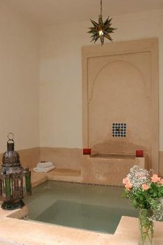 Riad ariha is really pretty and this pool is very well designed in great location Love it. www.marrakech-riad.co.uk