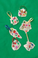 Preschool Christmas Craft: Make Glue Ornaments for Christmas