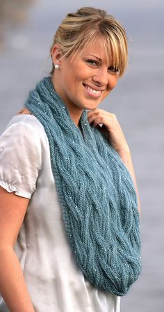 Ravelry: Cabled Glamour Cowl pattern by The Knitting Tree - Patternology™