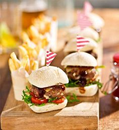 13 pub food favourites