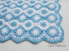 Stars on the sea Baby puff blanket crochet pattern. This soft and fluffy blanket for babies is crocheted quickly and requires a lot of yarn. This is the English version. SPANISH VERSION available here: https://www.etsy.com/listing/252045858/crochet-baby-blanket-pattern-spanish