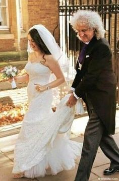 I was the proud father of the bride, and, just 3 weeks after the surgery on my leg, DID manage to walk her down the aisle without a stick ! Cheers ( - Brian May) Queen Love, Save The Queen, Queen Queen, Queen Guitarist, Brian Rogers, Queen Brian May, Los Rolling Stones, Roger Taylor, Ben Hardy