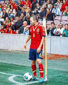 A true magician ⚽️ Xavi Iniesta, Football Stuff, Don Juan, Adidas Football, Football Wallpaper, Football Players, The Magicians, Kicks, Soccer