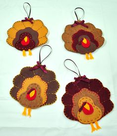 Cute little turkeys...Could make out of paper