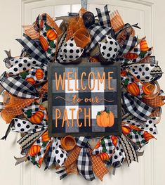 Fall Mesh Wreaths, Autumn Wreaths For Front Door, Halloween Wreaths, Halloween Deco Mesh, Halloween Door Decorations, Burlap Wreaths, Halloween Halloween, Holiday Wreaths, Vintage Halloween