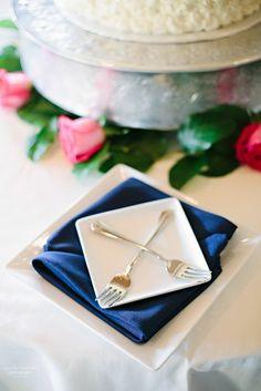 Navy + white + crossed forks | Wedding Table Decor Ideas | Emily Lapish Photography