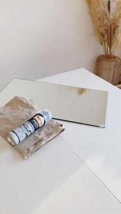 So verschönerst du deinen alten Spiegel mit Bauschaum. Der DIY-Trend wird sich auch in diesem Jahr fortsetzen – ob zum Verschönern des eigenen Zuhauses oder zur Entspannung nach Feierabend. Wir zeigen außerdem die 7 schönsten Basteltrends 2021. Lass dich von unseren Ideen inspirieren und werde selbst kreativ!/📷 @bysophiepuhlmann Westwing Interior DIY Basteln Trend 2021 twisted candles foam Spiegel Kerzen Zuhause Modelliermasse Foam Mirror Spiegel modern Design easy nachmachen instagram Deko Diy Trend, Creation Deco, Steven Universe, Diy And Crafts, Creations, Poetry, Bedroom Decor, Bikini, Interior Design