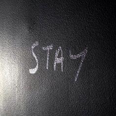 Zostań jeszcze chwilę.....