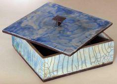 Accessoires et objets décoratifs céramique Raku : Atelier RAKU SAN à La Seyne Sur Mer Adidas, Ceramic Art, Decorative Boxes, Crafts, Design, Home Decor, Simple, Inspiration, Serving Bowls