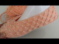 SÜPÜRGE MODELİ İNCİLİ BABET YAPIMI - YouTube Crochet Beanie Hat, Crochet Poncho, Diy Crochet, Crochet Crafts, Crochet Baby, Crochet Projects, Beginner Crochet Tutorial, Knitting For Beginners, Crochet Shoes