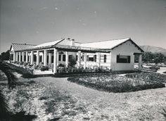 Chalet del Campo de Golf de la Dirección General de Turismo en Torremolinos. Vista exterior | Flickr: Intercambio de fotos