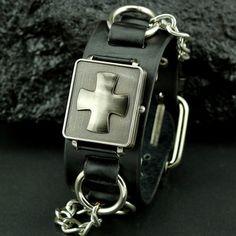 Armbandsur Punk - Gothic Cross Tuff klocka med svart läderband i rockig  stil. Urtavlan är eb2c1d0d6c792