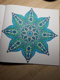 Uit het derde enige echte mandala kleurboek
