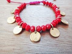 Ella Charms Bracelet Handmade bracelet with red crystal beads and gold plated brass disc charms. Bracelet size is adjustable / macrame closure. Handmade Bracelets, Handmade Jewelry, Unique Jewelry, Handmade Gifts, Bridesmaid Bracelet Gift, Bridesmaid Gifts, Coin Bracelet, Bracelet Sizes, Crystal Beads