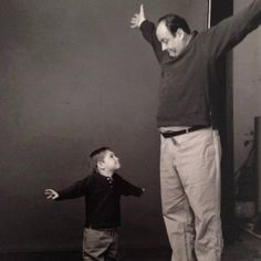 James & his little son Michael goofing around. Os Sopranos, Famous Freemasons, Hbo Tv Series, Tony Soprano, Al Capone, Great Tv Shows, Classic Tv, Best Actor, Actors & Actresses