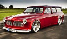 I helgen är det -> in <- 😃, See you there! Auto Retro, Retro Cars, Vintage Cars, Volvo Amazon, Golf Mk1, Carros Vw, Volkswagen, Wagon Cars, Sports Wagon
