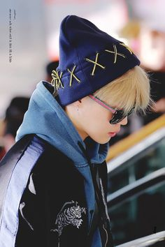 Park Jimin ☆ Airport ☆ BTS at Airport for Love Yourself Tour ☆ Credits by x